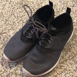 Nike women's running shoes size 7.5